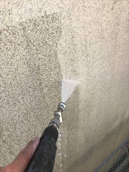 藤沢市ガイナ塗装2日、3日目 (2)