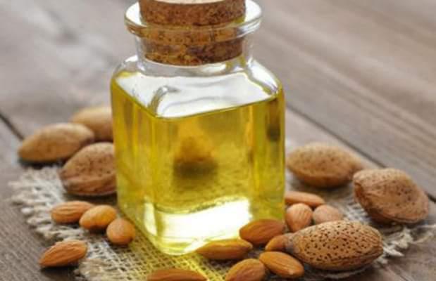 فوائد زيت اللوز الحلو للبشرة والشعر والجسم