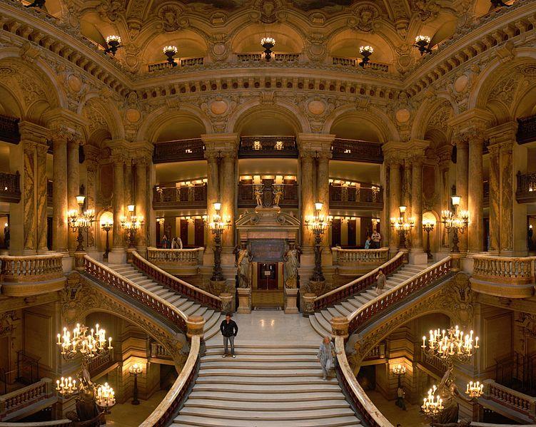 opera_garnier_grand_escalier_benh-remplace-song_commons-wikimedia-org