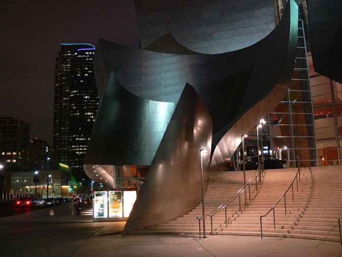 800px-la_disney_concert_hall_entrance_1