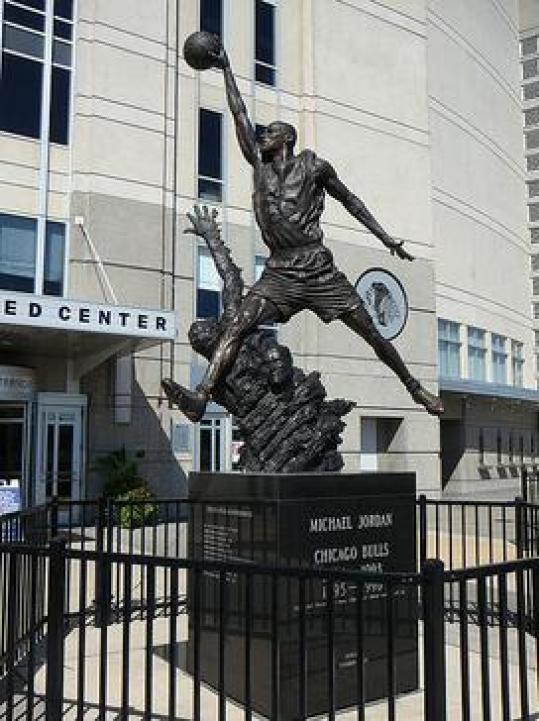 michael_jordan_statue