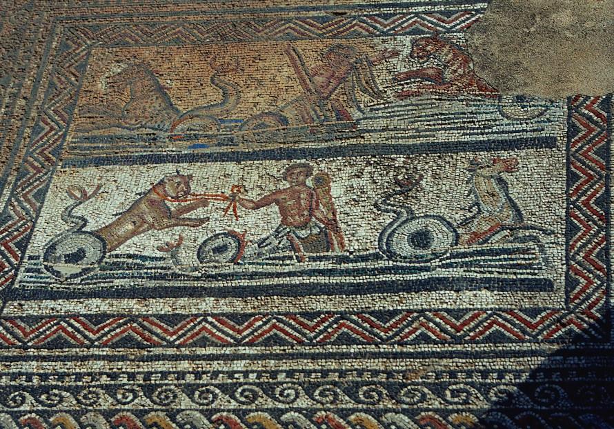 Mosaic-Amphition's_chariot