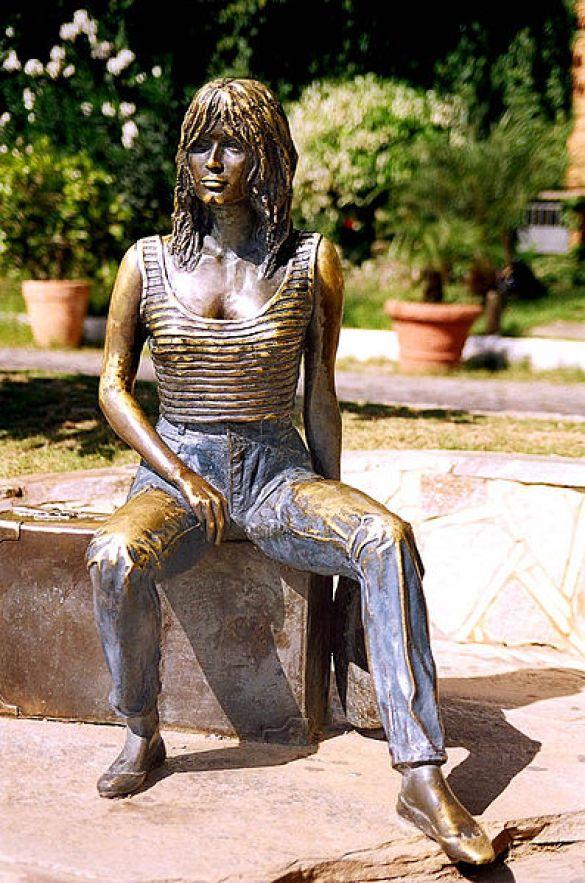 Statue_of_Brigitte_Bardot_in_Rio_de_Janeiro