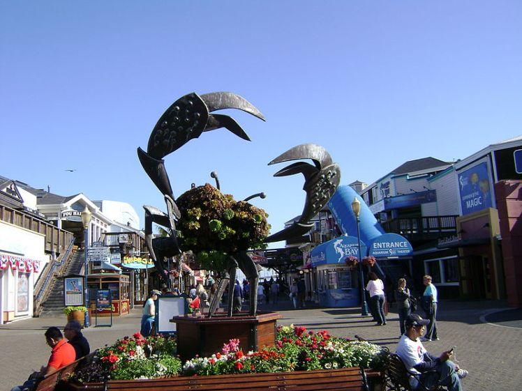 800px-Crab_Statue,_Pier_39