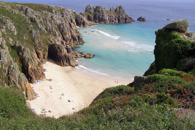 800px-Pednvounder_beach_from_treen_cliff