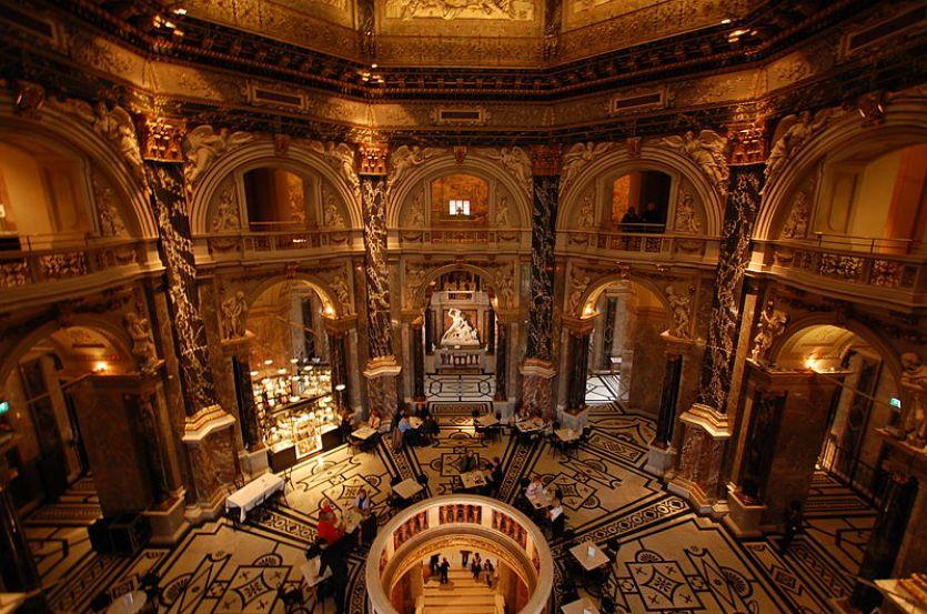 800px-Kunsthistorisches_Museum_Interior