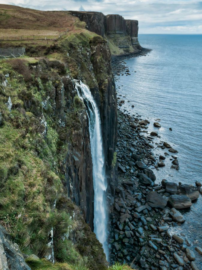 800px-Mealy_Falls