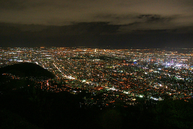 800px-From_Mt_Moiwa_Sapporo01s3200