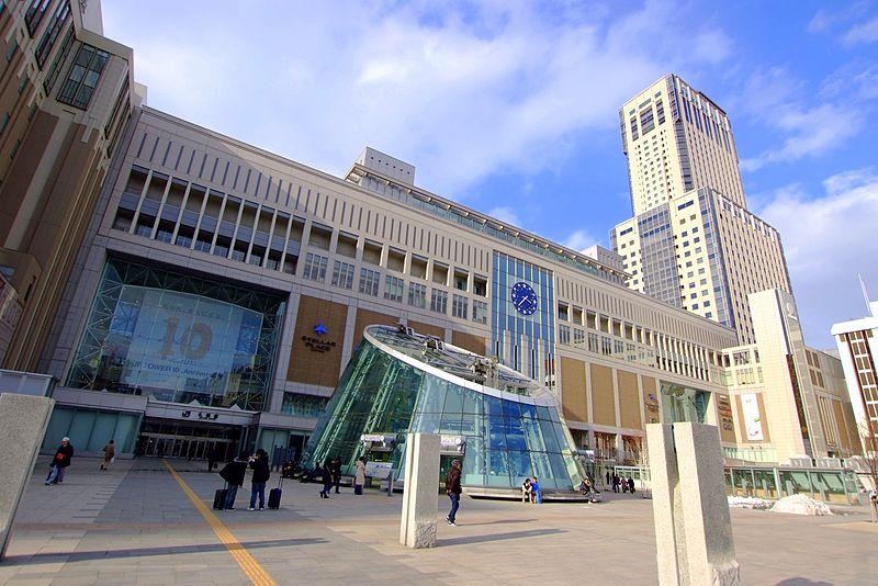札幌駅(Sapporo_Station_-_Hokkaido_Railway_company)_-_panoramio_(2)