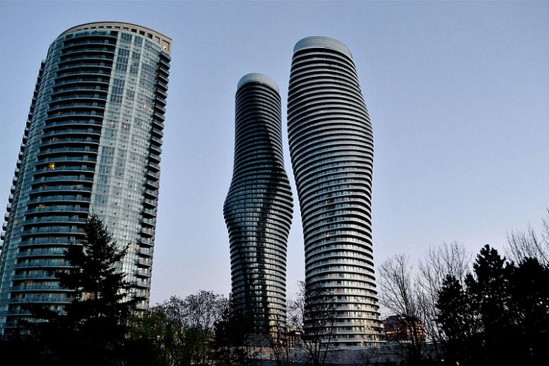 800px-Absolute_Towers_Mississauga_(suburban_Toronto)_Canada