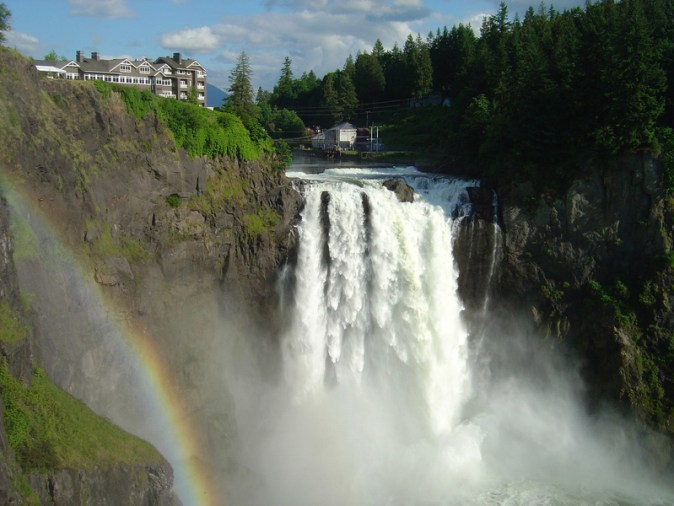 snoqualmie-falls-is-featured-notably-in-twin-peaks-in-washington