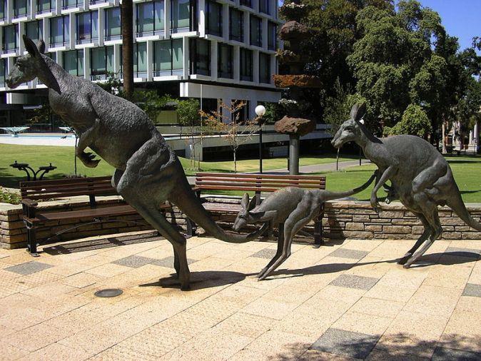800px-Public_art-_Kangaroos,_Perth3