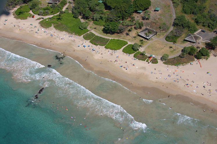 800px-Hapuna-beach-aerial