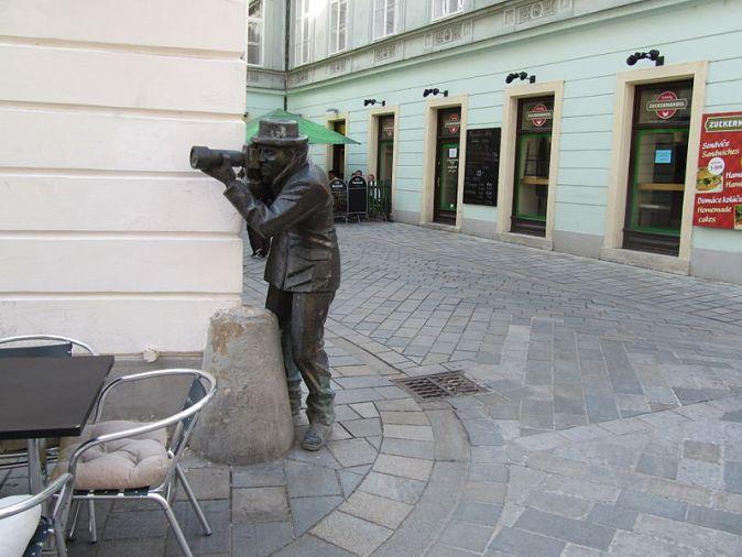 Bratislava,_Paparazzo