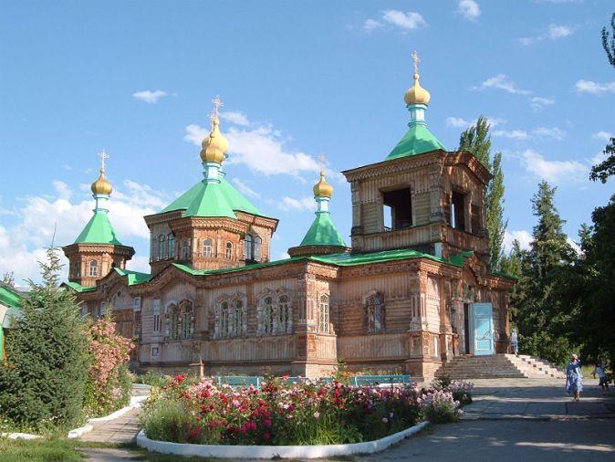 800px-Karakol_cathedral