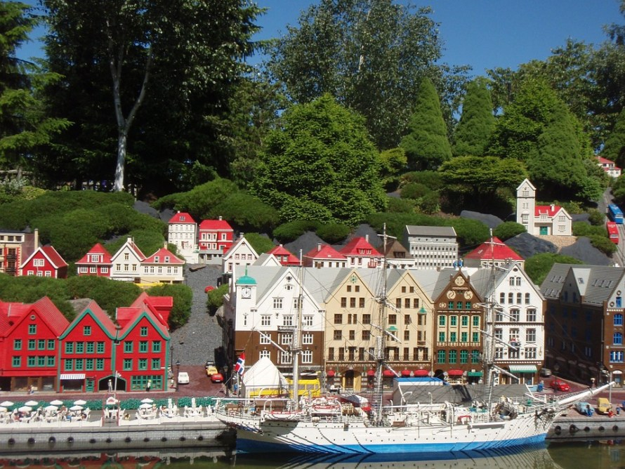 the-legoland-theme-park-588887_960_720