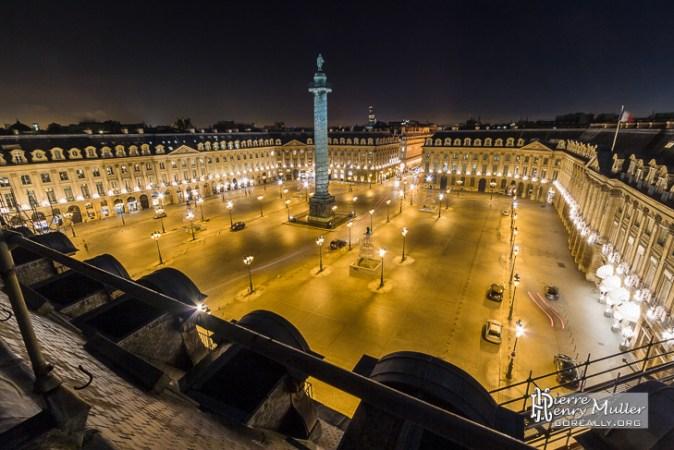 place-vendome-nuit-depuis-toits-paris