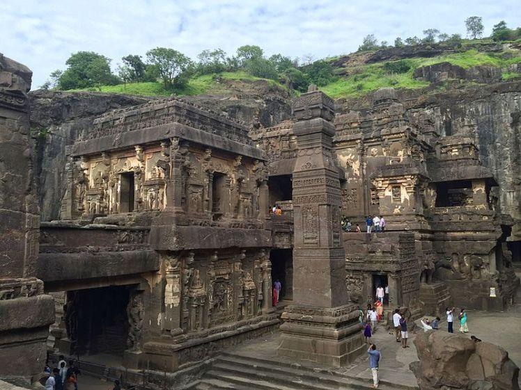 Kailasa_temple_overview,_Ellora