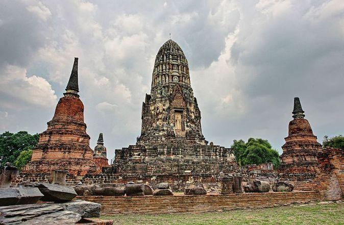 Wat_Ratchaburana_2012-04-13_(001)