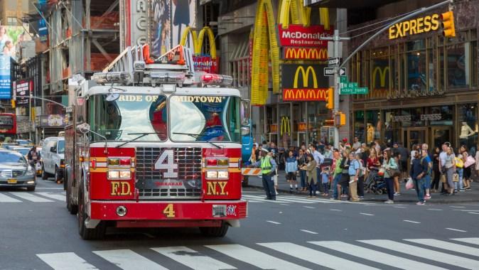fdny-fire-truck-1515061076d8J