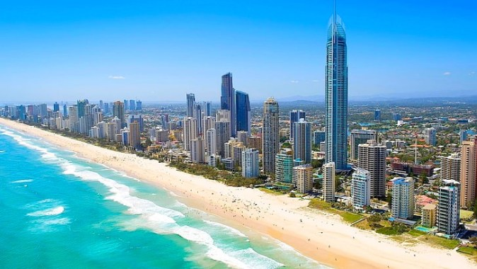 gold-coast-surfers-paradise-queensland-australia-wallpaper-preview