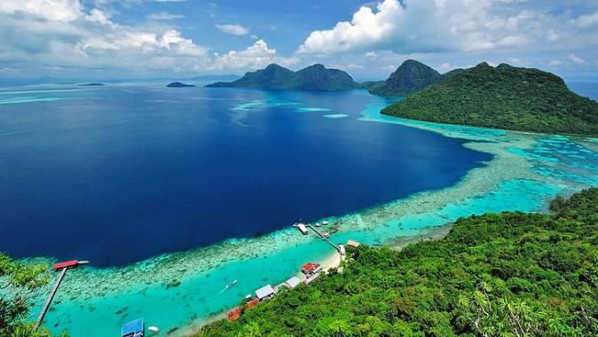 malaysia-coast-tropics-scenery-borneo-island-wallpaper-preview