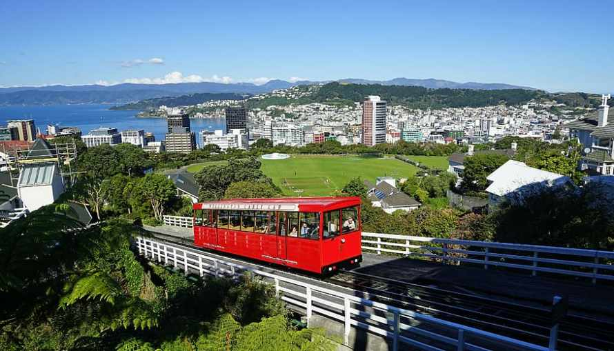 wellington-cable-car-new-zealand-city