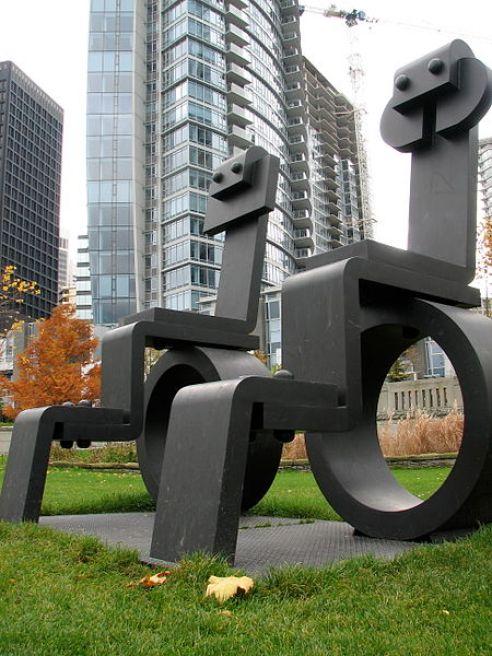 450px-Vancouver_Sorel_Etrog