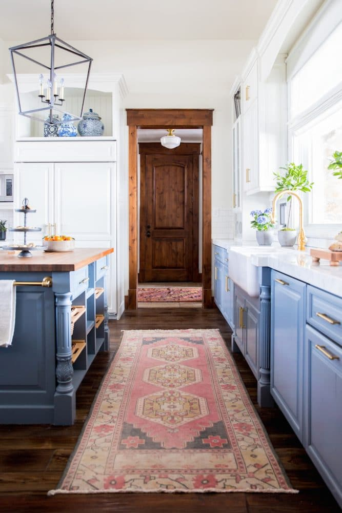 Painted Furniture Ideas 9 Best Paint Colors For A Farmhouse Look Painted Furniture Ideas