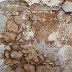 Фото-Смотрю на кладку. разный камень. но обязательно есть ребро жесткости из старогоглиняного кувшина