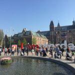 Фото-Городской пейзаж-Амстердам-большие буквы напротив Рейксмюзеума-главного музея Голландии-в нём Ночь-Рембрандта