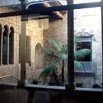 Музей Пикассо,интерьер,дворик..