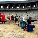 Пленэр в Каменце-Подольском-лучники на состязаниях