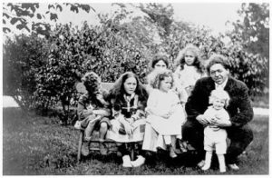 The N. C. Wyeth Family: Nathaniel, Henrietta, Ann (on her mother's lap), Carolyn, and N. C. Wyeth with Andrew.