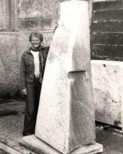 Hanna Eshel with the monument Concave - Concave - Convex, 1977