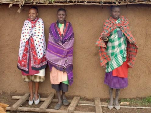 Африканки в национальных костюмах