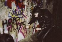 yes that's joey ramone, ghettoblastersandswitchblades.blogspot.com