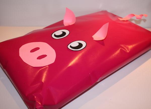 Pig Gift Wrap idea