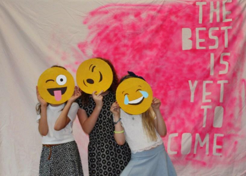 Photo booth emojis