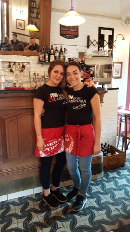 The lovely Cajo & Gajo waitstaff - Alice and Fabiola