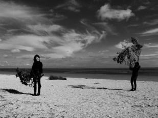 bodily explorations of landscape at Fanø, photo credit: Eduardo Abrantes