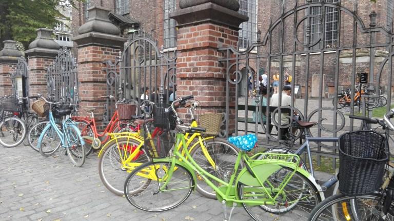 Las bicicletas son el transporte en Copenhage