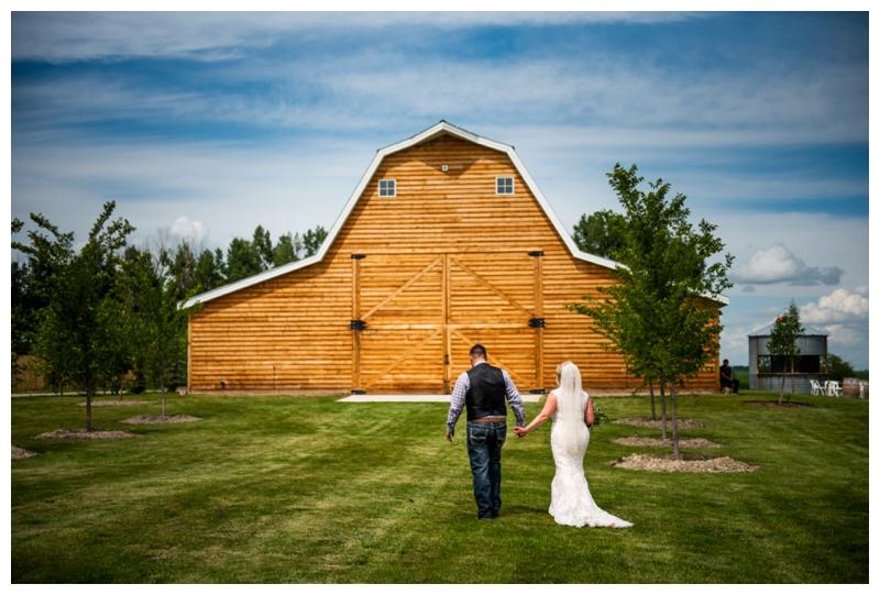 Alberta Barn Wedding - Willow Lane Barn