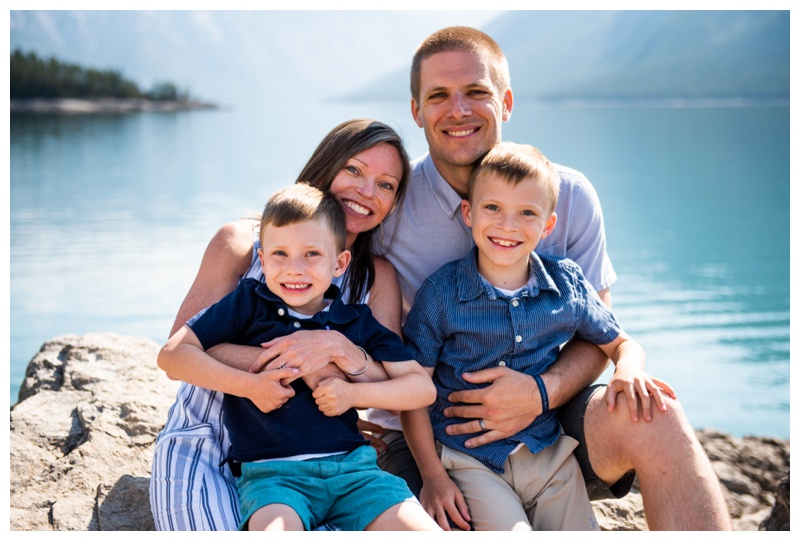 Banff Lake Minniwanka Family Photographer
