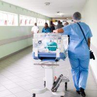 Hospitais adiam exames oncológicos para lucrar com rastreios