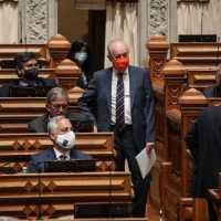 """PSD junta-se a BE e PCP para travar transferências para Novo Banco (e as Finanças ficam """"estupefactas"""")"""