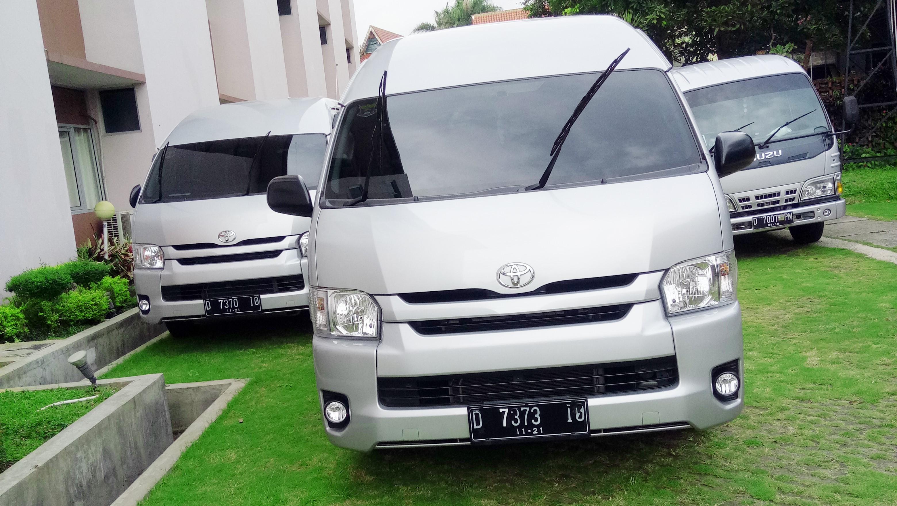 Toyota Hiace Pakarholiday