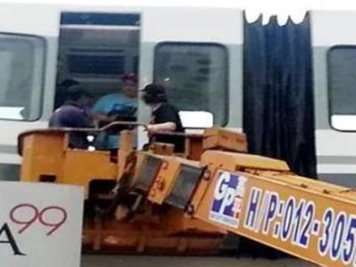 terperangkap-monorail-melaka-1