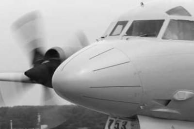 Salah satu pesawat mencari dan menyelamat milik Tentera Australia. Dunia kini sedang mengejar masa untuk mendapatkan semula kotak hitam pesawat MH370 yang terhempas di selatan Lautan Hindi.