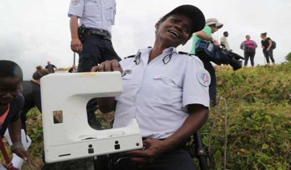 MH370: Pelancong Dakwa Temui Kerangka Tingkap Pesawat